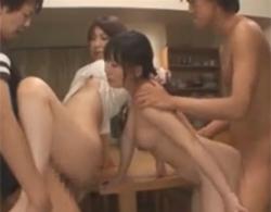 大沢美加瀬奈涼》プリプリムチムチな若妻が自宅のキッチンで初めてのスワッピング!
