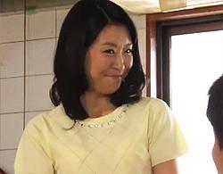 村崎ちづる》学生時代の教師が四十路人妻なヒトヅマに☆ウワキなカンケイでガン射SEX☆