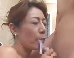 イソジ人妻な松野千明の近親ソウカンイラマチオで口出しされてデロンデロン出てきてるΣ(゚д゚lll)