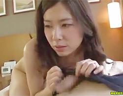 ダンナとはSEXレスでAV応募してきたミソジなシロウトヒトヅマさんが久しぶりにボッキしたチムポ見てこの顔ww