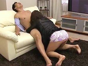 近藤郁美》「わかりました、契約しますから!」強引に枕営業して契約&性欲処理しちゃうおばさんの勢いが…w