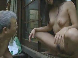 ヘンリー塚本,沢村ゆうみ》三十路エロ奥様の豪快全裸ヤンキー座りで放尿からの不倫相手とほぼ青姦でNTR!