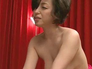 片岡なぎさ》一発でやられちゃうフェロモン出まくり垂れ乳巨乳なおばさん熟女の濃厚アナル舐め&フェラw