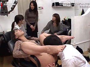 春原未来,翔田千里,村上涼子の三人が中出しさんぽ企画でアンダーヘアー専門のカットサロンにwww