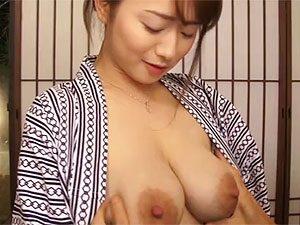 白石茉莉奈》元アイドルに似つかわしくない破壊力抜群のデカパイ三十路人妻のAVデビュー作!