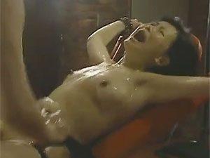 ヘンリー塚本,浅井舞香》「いや~、壊れちゃう~!」五十路ナースがドMな想像しつつオナニーw