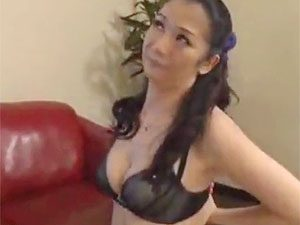 大島しのぶ》えろ痴ジョババァなイソジ人妻が性のカウンセラーという立場を使いヤリまくってる件ww