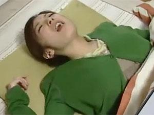 加藤なお,ヘンリー塚本》おコタの中でハメハメしちゃう四十路人妻なヒトヅマのウワキファック☆