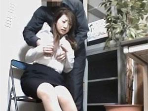 「立派な犯罪犯しといてスイマセンで済むわけねぇだろ☆」人妻萬引き犯が店長に強姦されちゃう一部始終を個人収録で秘密撮影ww