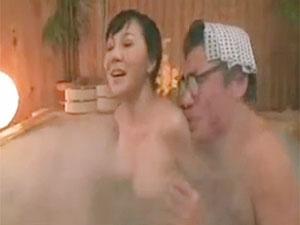 松本貴子》せくはら入湯しても拒否しない豊乳四十路おばさんww