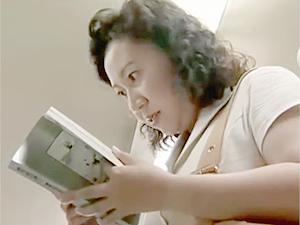 ヘンリー塚本》週刊誌の寝取られ体験記事を立ち読みしてる欲求不満おばさんの妄想w